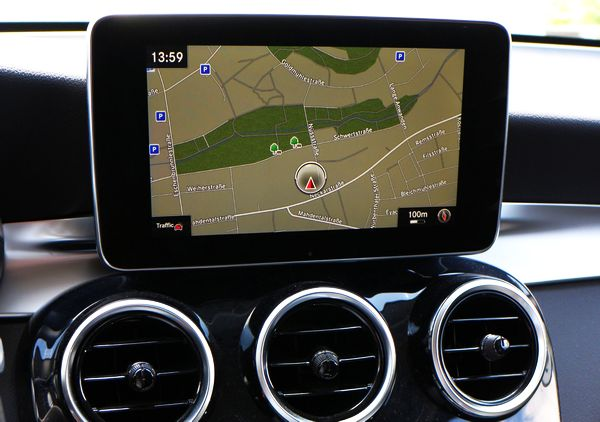 [Image: Mercedes-Benz-Star-2-NTG5-15-Garmin-A2139064607.jpg]